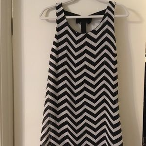 NWT Want + Need zigzag shift dress (fits S or M)